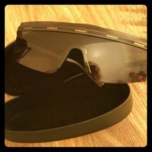 Versace model 2208 unisex sunglasses